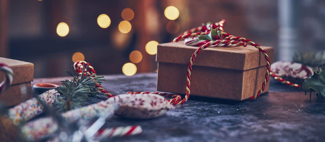 http://tus-reichenbach.de/wp-content/uploads/2016/12/Geschenk-Weihnachten-in-Frankreich-header___iStock-GMVozd_1036181450.jpeg